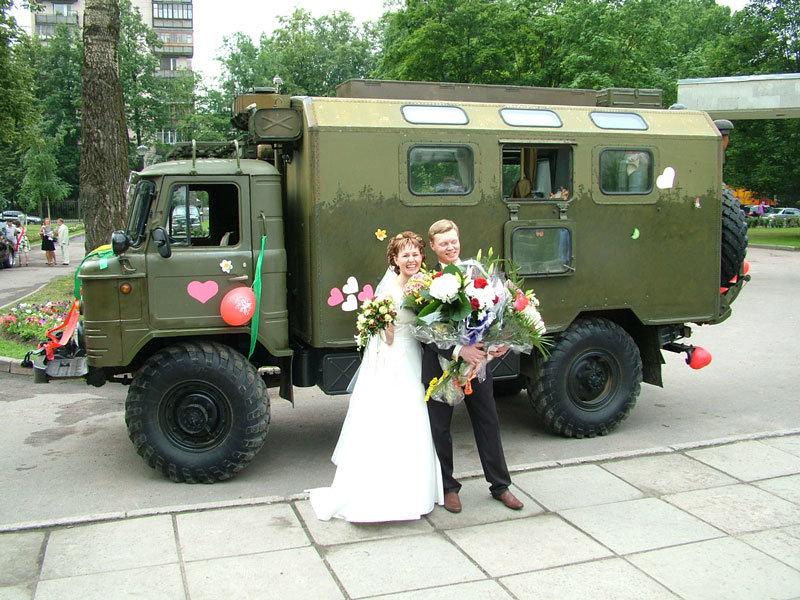 Военный ГАЗ-66 на свадьбе