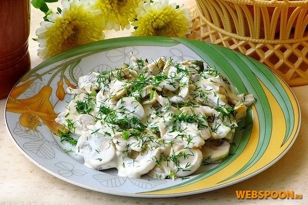 Салат из консервированных грибов с фото