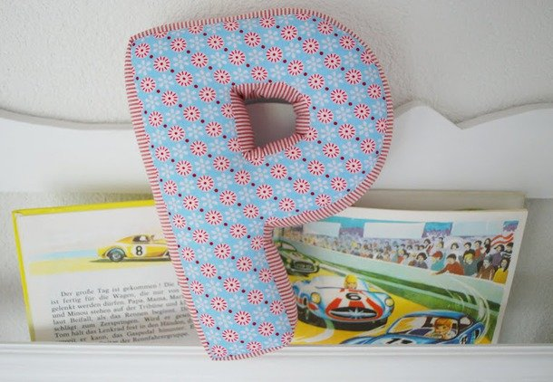 Как сшить объемную подушку букву 187