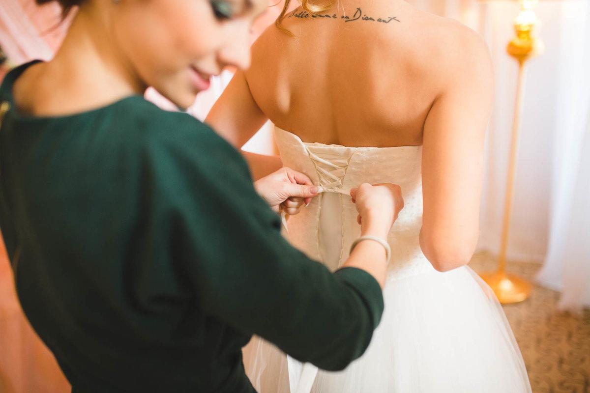 менее картинки с предстоящей свадьбой невесте она известная актриса
