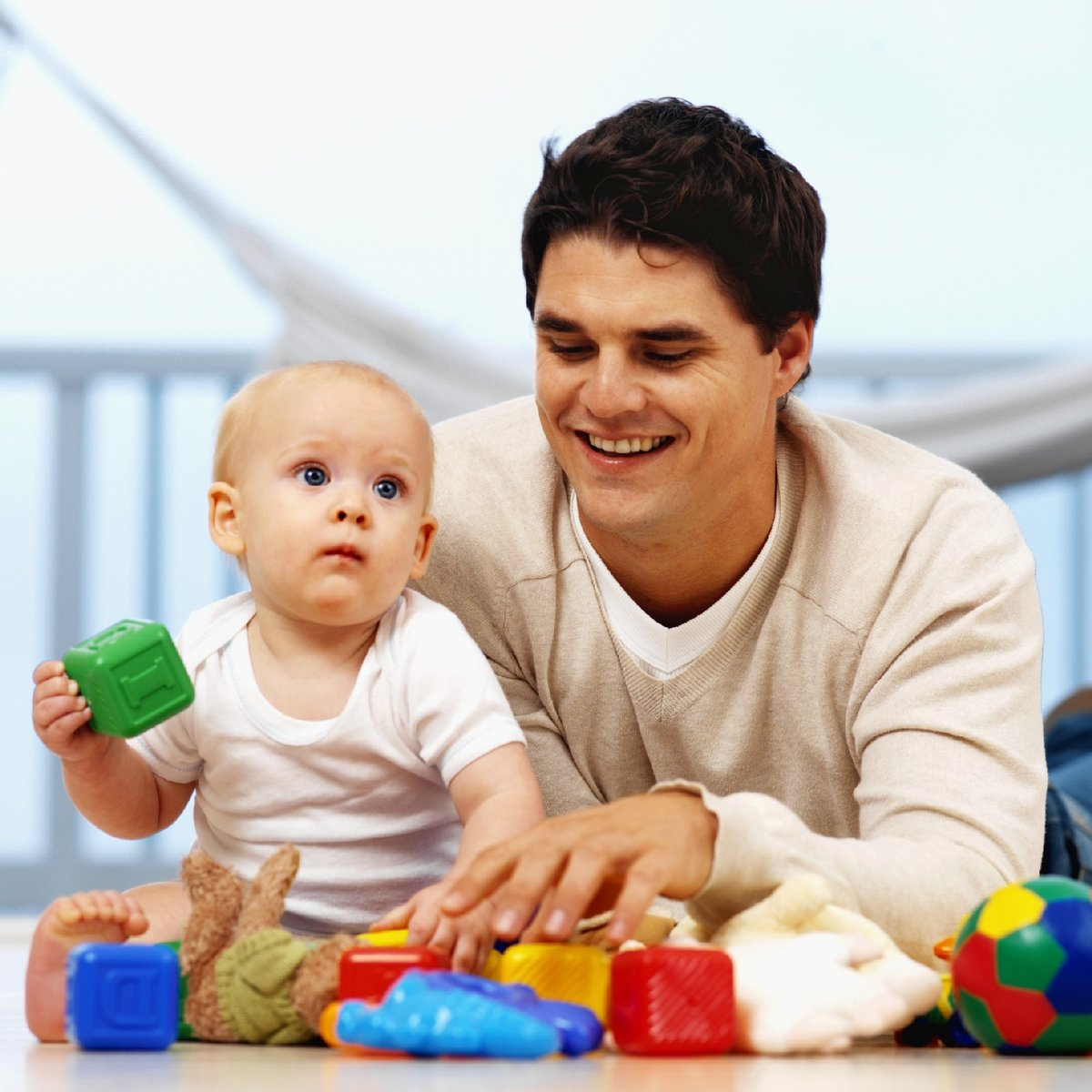Картинки отец играет с детьми