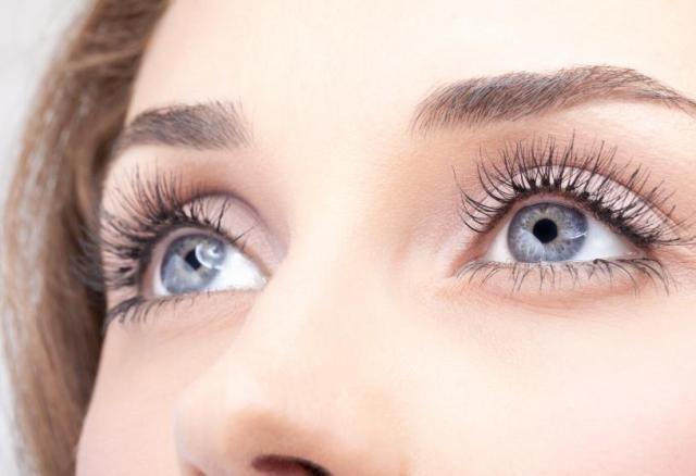 Макияж глаз для серых глаз