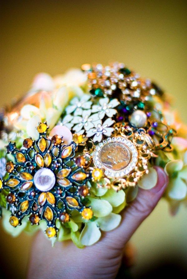 Магазин путевый, свадебный букет из цветов и брошей своими руками