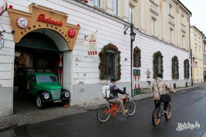 Пивной ресторан Podwale в Варшаве недалеко от Барбакана