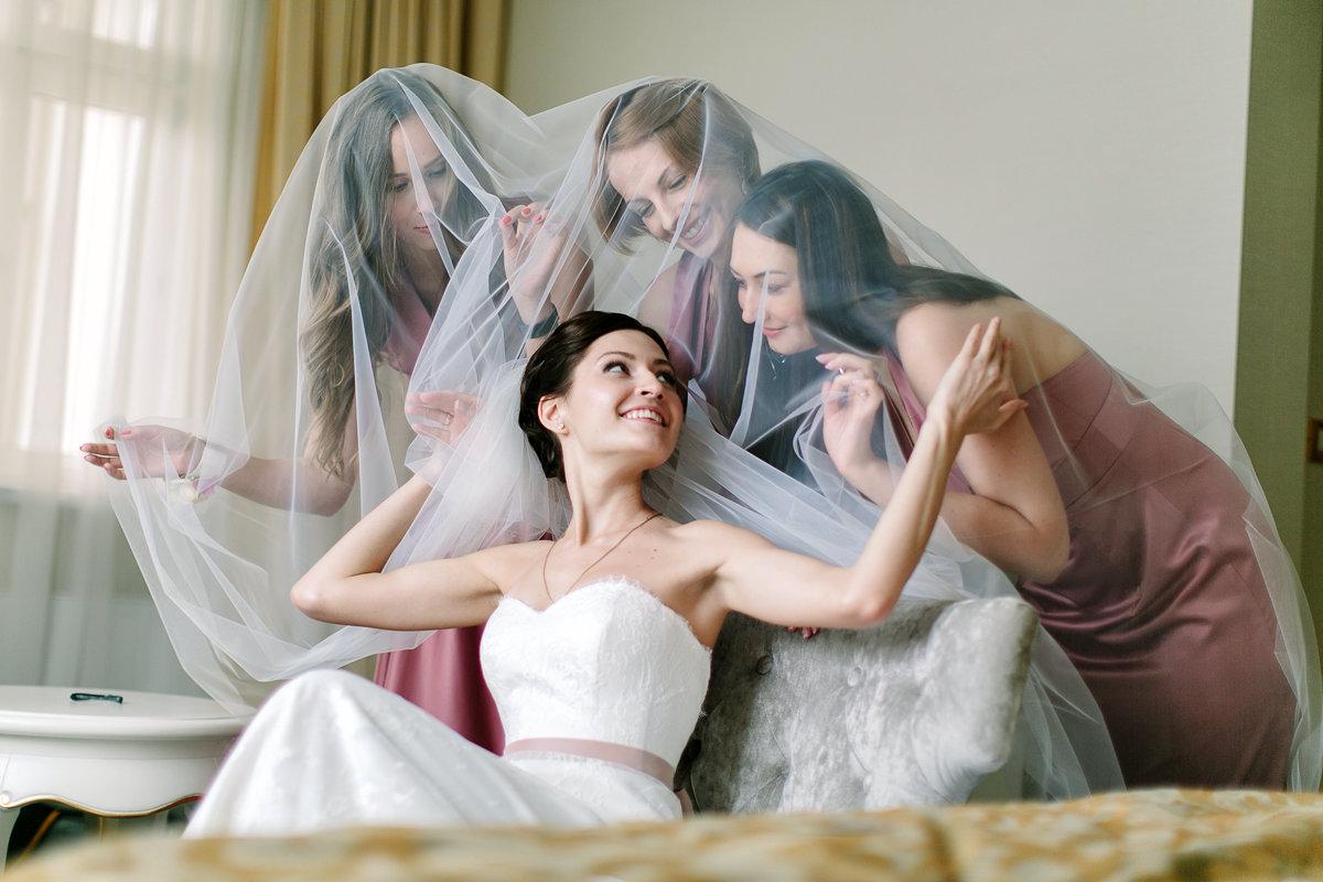 невеста собирается