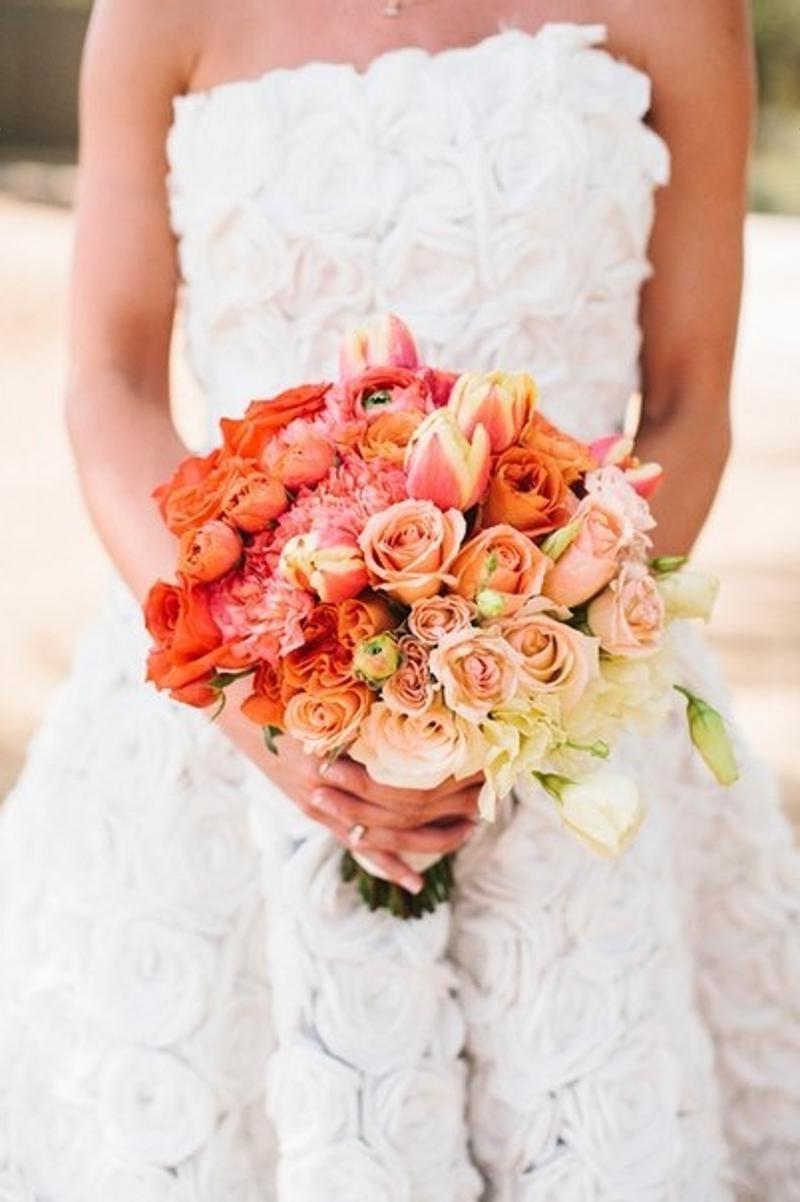 Коралловый цвет на свадьбе
