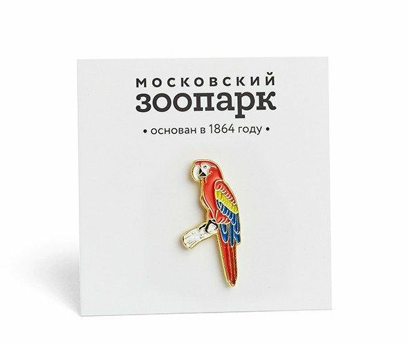 Металлический значок в форме красного попугая Ара