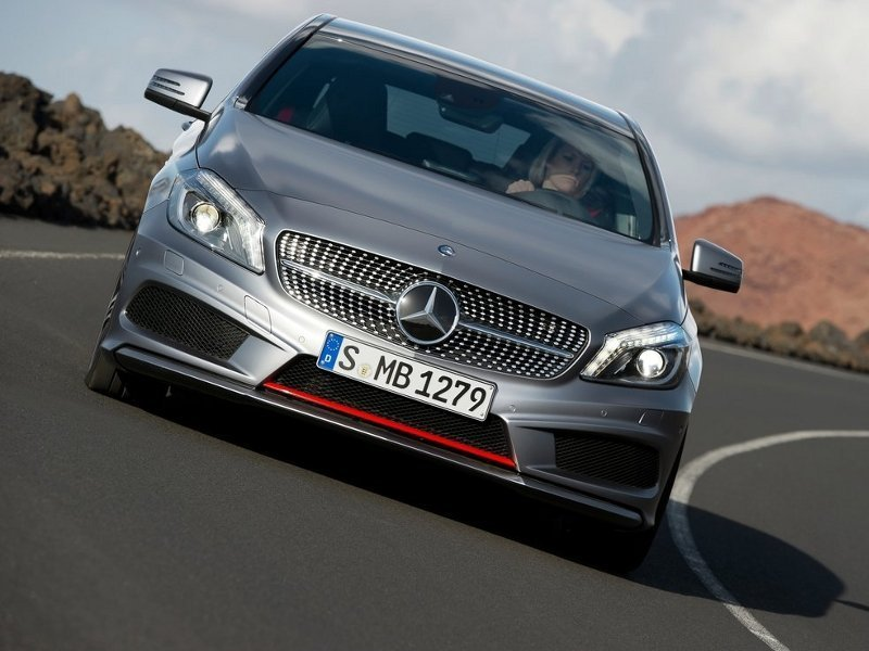 Mercedes-Benz A-Class (Мерседес-Бенц А-Класса) - 5-дверный хэтчбек класса «C».