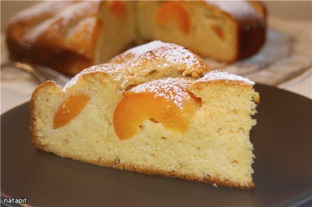 Медовый бисквитный пирог с абрикосами рецепт с фотографиями