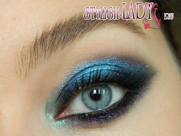 Пошаговый урок нанесения макияжа смоки айс в синих тонах.