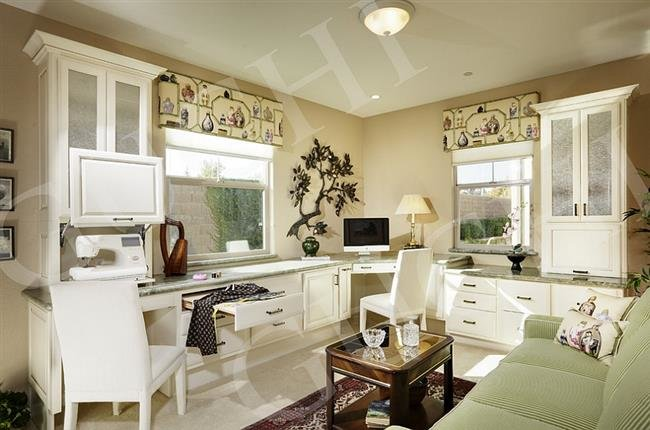 Домашний офис в азиатском стиле, в светлых тонах