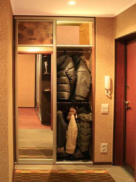 коридор в фото купе маленькие шкафы