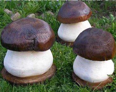 деревянный гриб для сада