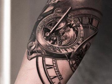 Татуировки в стиле биомеханика