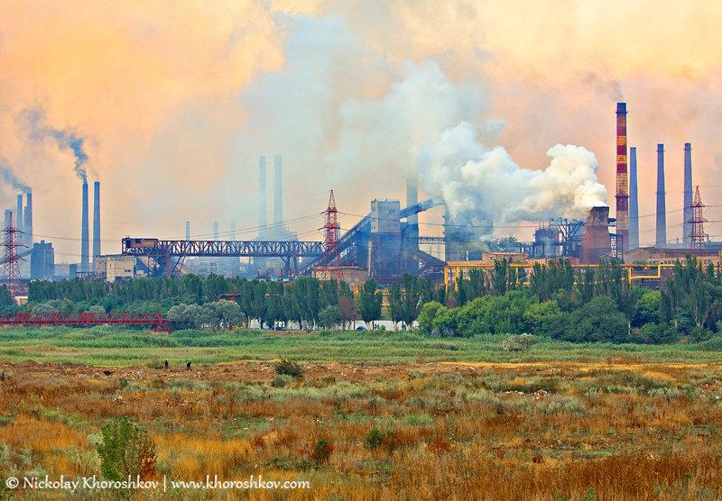 Мариуполь в дыму металлургических прдеприятий