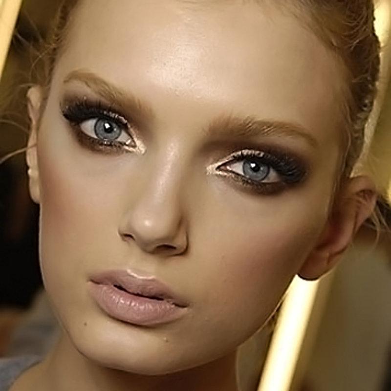 Неправильный макияж может полностью вас изменить в худшую сторону.