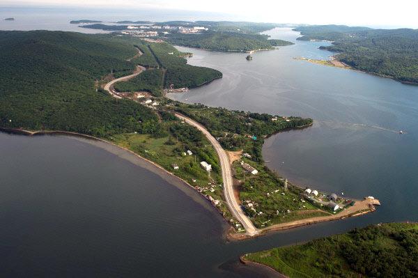 Владивосток и остров Русский с вертолета Вид на окресности Владмвостока Фото: Александр Вильф
