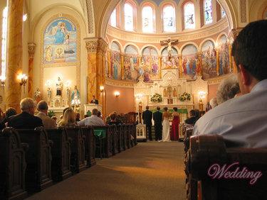 церковь внутри служба