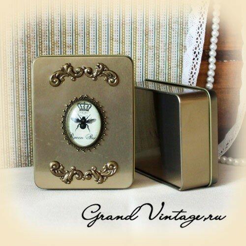 Kоробочка металлическая прямоугольная с декором в стиле винтаж