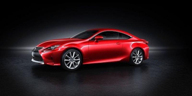 2014 Lexus RC снова покажут на автомобильной выставке в Детройте в январе следующего года.