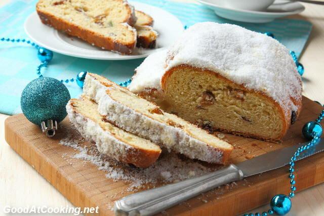 Штоллен — это традиционный рождественский хлеб в Нидерландах и Германии, вот только на голландском он называется stol.