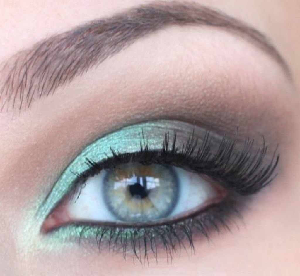 Stunning Green And Brown Smokey Prom Makeup Idea 2014 For Blue Eyes