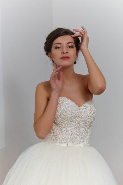 Фотографии свадебного макияжа невест из Днепропетровска от профессионального визажиста Яны Андрущак.
