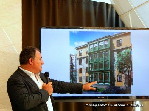GRAVION CONSTRUCTION, входящий в группу компаний GRAVION GROUP, в рамках стратегического партнерства с Urban Group заключили договор генподряда на строительство объекта в жилом комплексе «Митино О2». Договор предусматривает возведение жилого дома №10 по монолитно-кирпичной технологии. В настоящий момент строители готовятся к заливке фундамента. http://allabc.ru/zhilishchnoe-stroitelstvo/6164-novyj-dom-v-mitino-o2-s-naborom-optsij-biznes-klassa.html