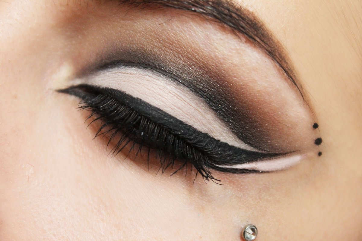 halloween eye makeup designs dramatic cat eye tutorial with optional