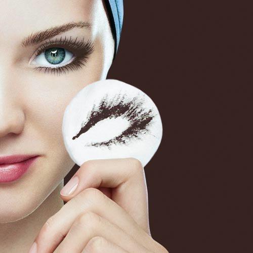 10 янв 2013. Для создания ежедневного макияжа (например, на работу или учебу) желательно использовать черную, серую или коричневую подводку, а вот цветную можно применить для создания неповторимого вечернего макияжа. Рассмотрим, как нужно правильно красить глаза подводкой.