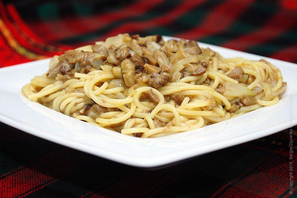 Опытные кулинары показывают, как приготовить вкусный соус для спагетти в домашних условиях!