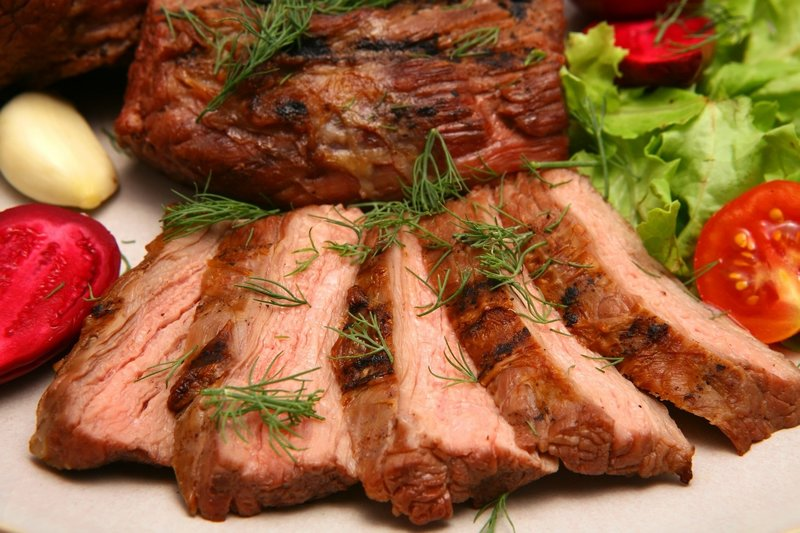 Рецепт грудинки свиной в духовке в рукаве с картофелем