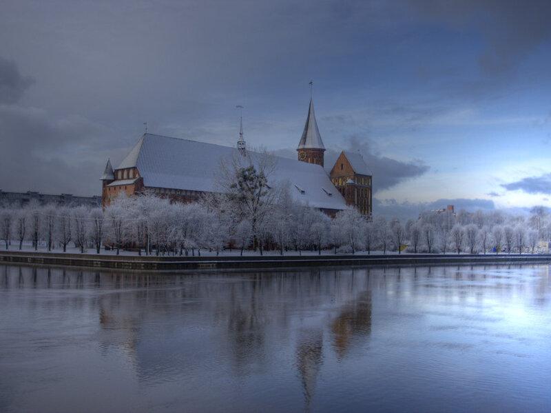 Во время новогоднего тура 2017 посетители увидят Кафедральный собор и Музей Янтаря, который располагается в центре.
