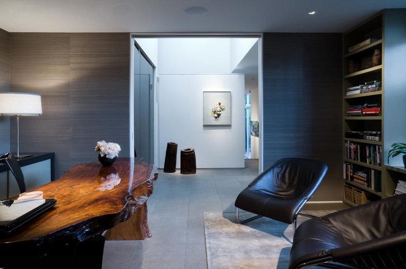 Красивый, эксклюзивные дизайн домашнего кабинета в стиле модерн: мебель, освещение, декор.