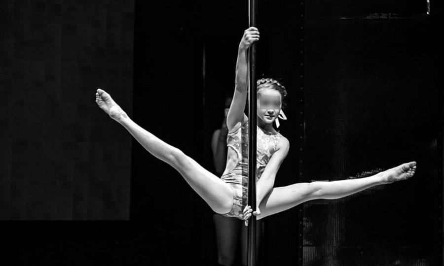 детей последней видео голых девок танцующих прекрамно живем