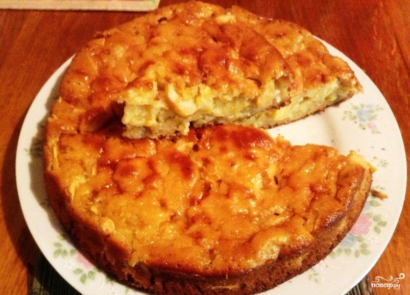 Пирог на ряженке с яблоками