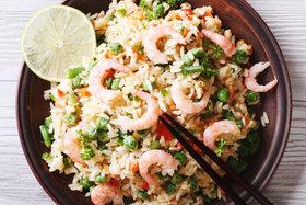 Рецепт жареного риса с морепродуктами на воке