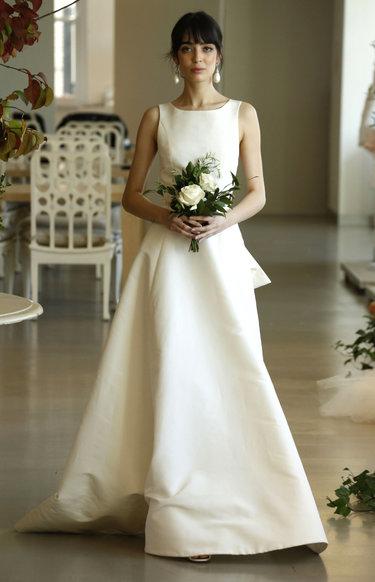 Где купить кружевное свадебное платье в Москве салон магазин или рынок
