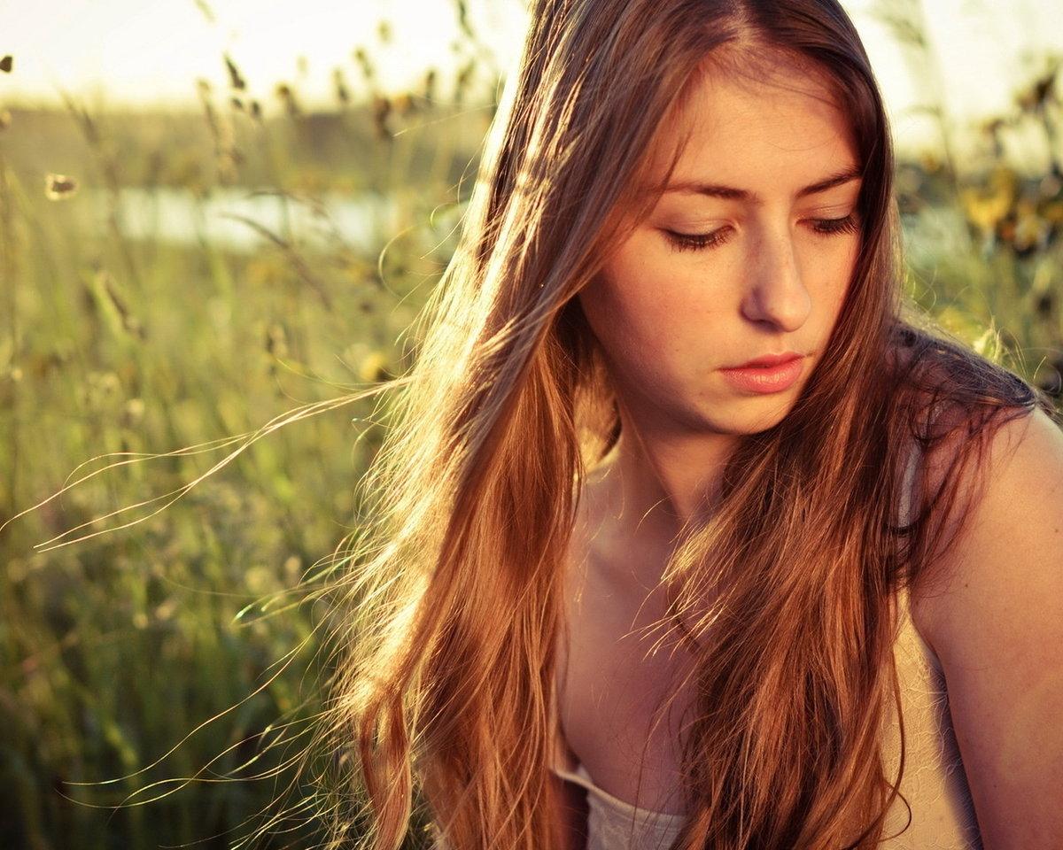 данной девушка фотка как посмотрим девушек волосы