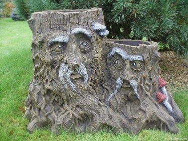садовая скульптура из дерева