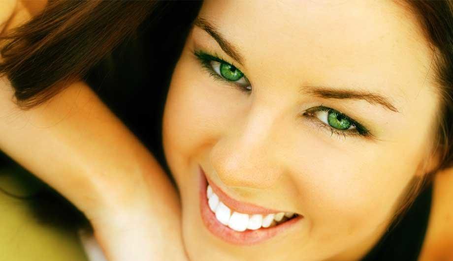 Картинки зеленые глаза девушки, девочка открытка