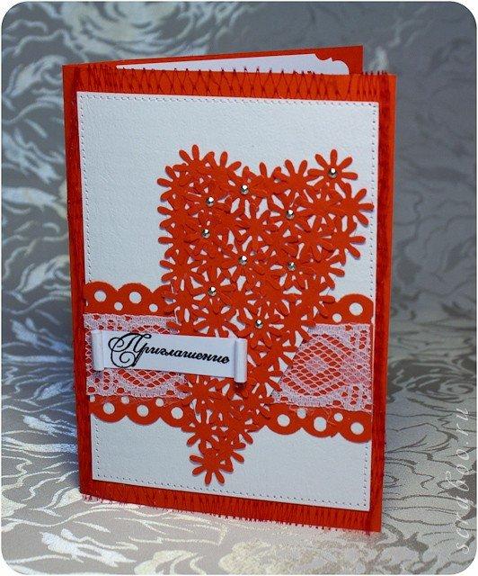 С большим удовольствием сделаем для Вас любые аксессуары для свадьбы: открытки, подушечки для колец, фотоальбомы, книги для пожеланий, рассадочные карточки,