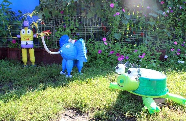Как украсить двор своими руками с помощью подручных 35
