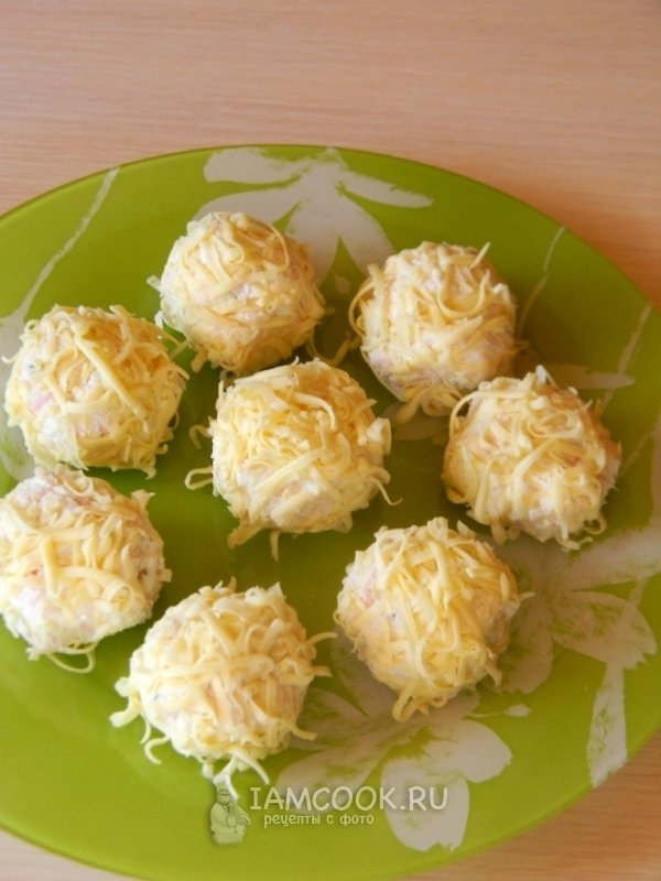 Сырные шарики с ананасом