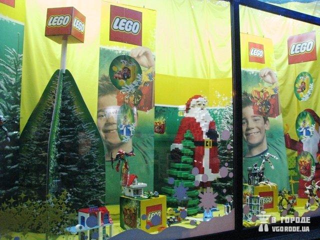"""А вы когда-нибудь видели Деда Мороза, сложенного из конструктора """"Лего""""? Киев"""