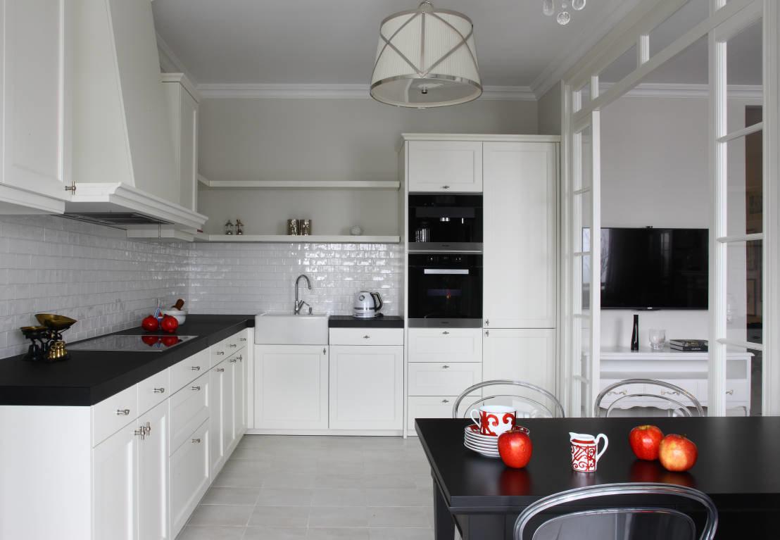 белые кухни с темными столешницами фото дает возможность