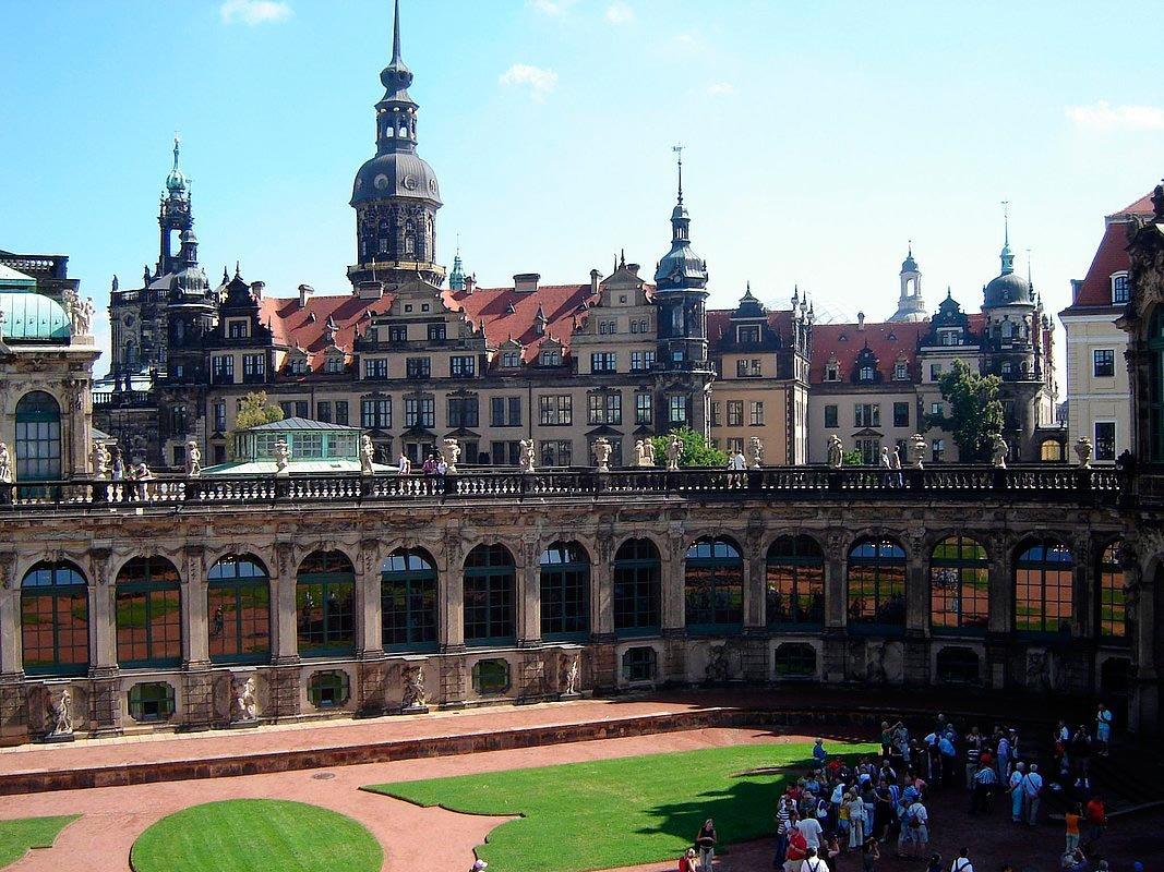 Бомбардировка Дрездена — Википедия