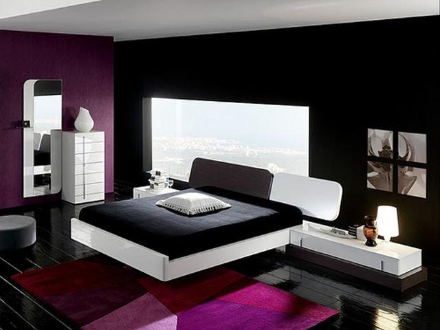 Сочетание черного и фиолетового цветов
