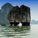 Бухта Халонг в Тонкинском заливе, Вьетнам