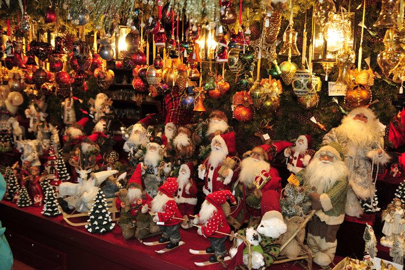 Базар считается старейшим в Германии, а благодаря размаху народных гуляний баварский городок Нюрнберг